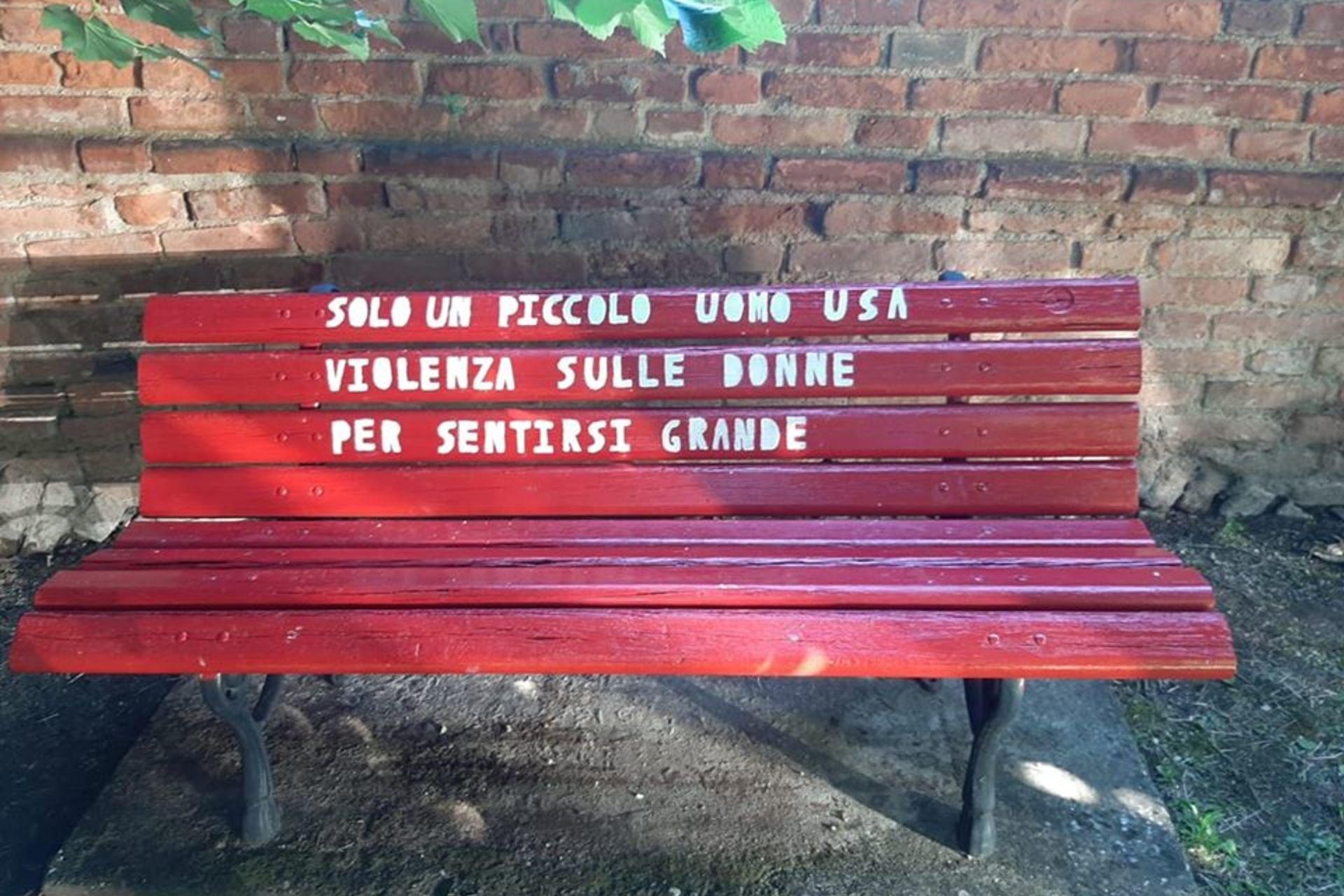 a maranzana una panchina rossa contro la violenza sulle donne astigov a maranzana una panchina rossa contro